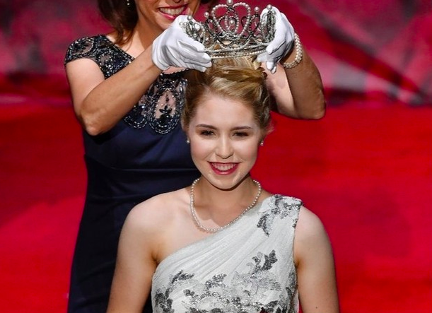 SME Alumna Camille Kennedy crowned 2020 Pasadena Tournament of Roses Queen